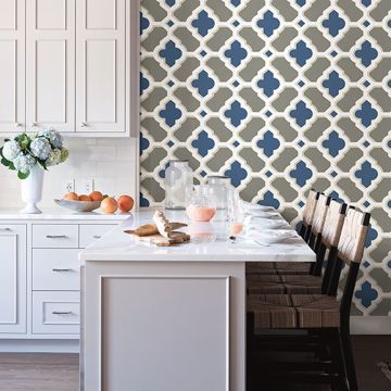 Picture of Lido Navy Quatrefoil Wallpaper