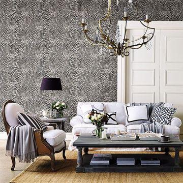 Picture of Splendid Platinum Animal Print Wallpaper