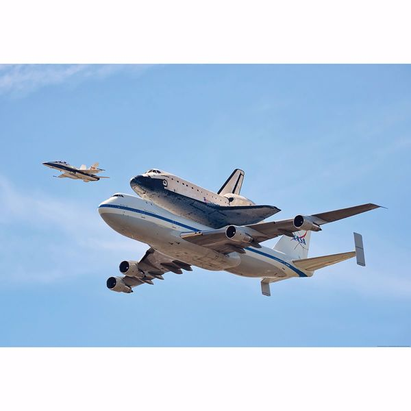 Picture of Space Shuttle Endeavour Wall Mural