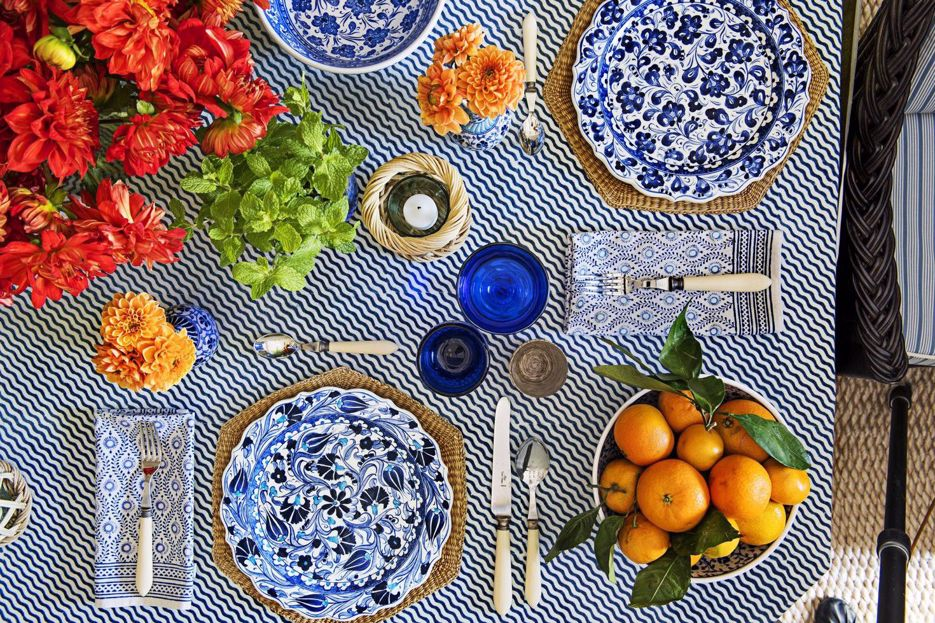 Dig In: 5 Fall Tablescapes Trends We Can't Get Enough Of